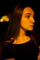 Фотографии девушки на улицах города