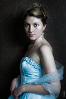 Художественный женский фотопортрет «Дама в платье»