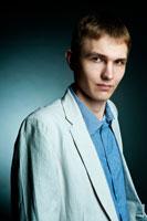 Деловой фото портрет мужчины для резюме. Поясной план
