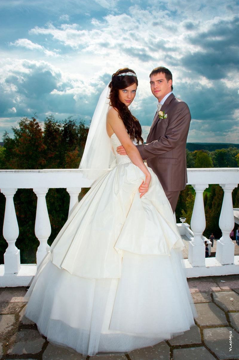 фото невеста выше жениха летнюю