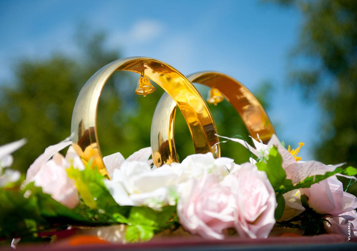 Обручальные кольца с цветами картинки