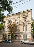 Старинный 3-х этажный дом на улице Жуковского в Симферополе
