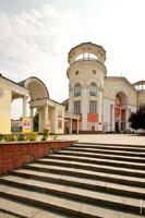 Фото лестницы к зданию «Дома кино» (бывший кинотеатр «Симферополь»)