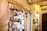 Магазин подарков и сувениров «Светёлка» в Ижевске: медные колокола на продажу и металлические подковы на счастье
