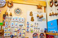 Фото магнитов с достопримечательностями Ижевска в магазине подарков и сувениров «Светёлка»