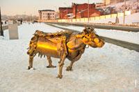 Металлическая корова: символическая скульптура «Кормилица, или Памятник человеческой благодарности» в Ижевске