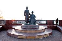 Фото памятника ижевским оружейникам на берегу Ижевского пруда с HD разрешением 4160 на 2770 пикселей