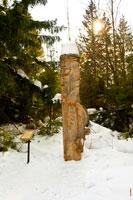 Фото деревянной скульптуры «Алангасар»