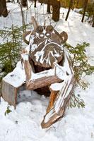 Фото деревянной скульптуры «Задумчивый бес»