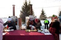 Хозяйки в «Лудорвае» на Масленицу делают в печках-блинометах блины