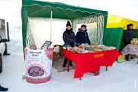 Фото палатки с пряниками, пирогами, печеньями в «Лудорвае» на Масленицу