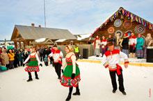 Фото празднования Масленицы в «Лудорвае» с участием ансамбля народных песен и танцев