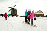 Начинаются лыжные гонки, женская эстафета на Масленицу в «Лудорвае»