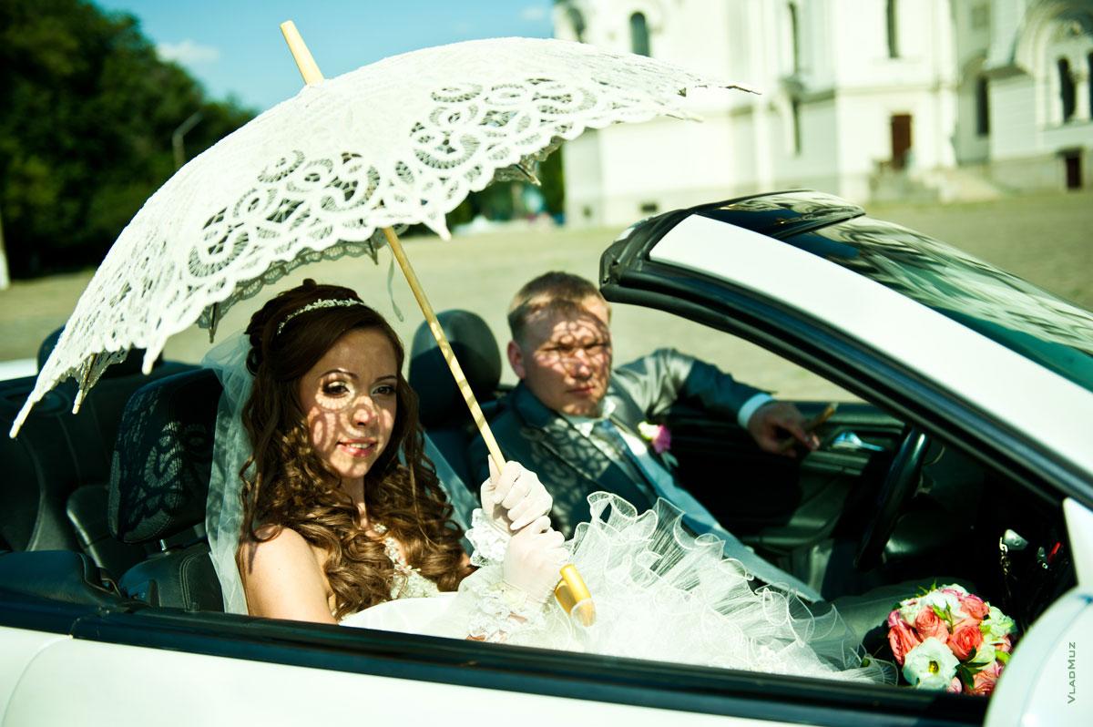 Творческие инновации со светом и тенью в свадебной фотографии: http://www.vladmuz.ru/photography/wedding/novocherkassk/66.htm