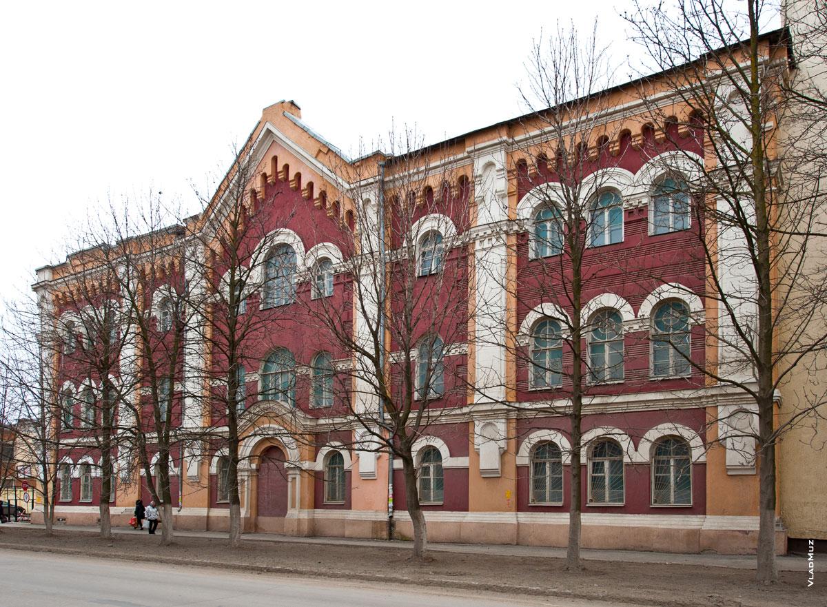 Фото стариных 3хэтажных зданий